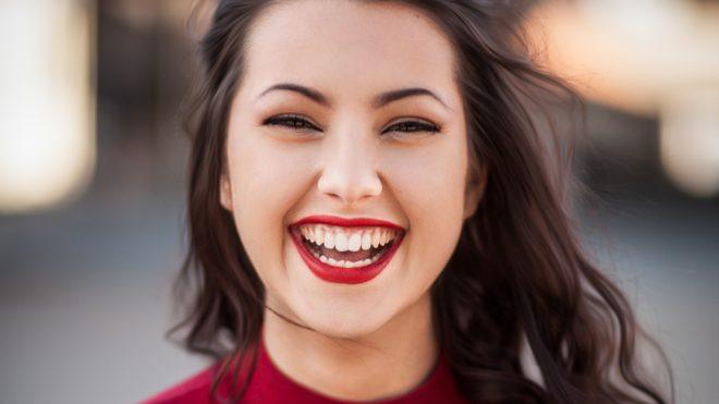 O природной белизне зубов и методах ее достижения